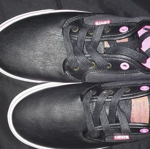 Levi Sneakers